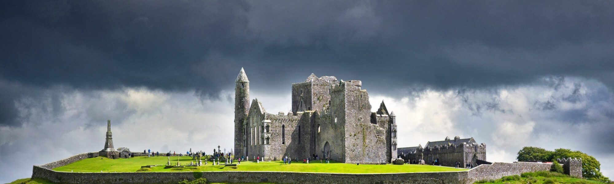 The Rock of Cashel - © Petair