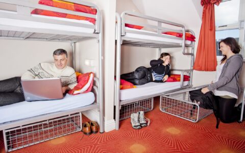 A Youth Hostel - Barnacles Budget Accommodation - cc