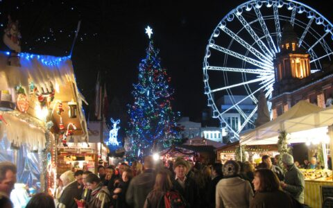 The Christmas Market in Belfast - Burkazoid - cc