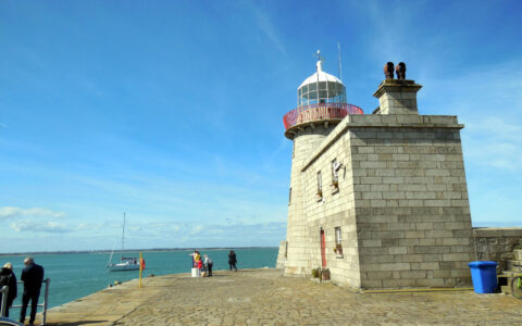 Howth lighthouse - fabeblau - cc