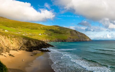 Coumeenoole Beach - Lyd Photography - Shutterstock