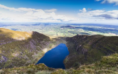 Coumshingaun lake - © Denis