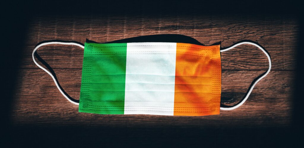 A mask in the colors of Ireland © kovop58